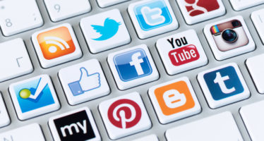 Redes sociales: to be or not to be